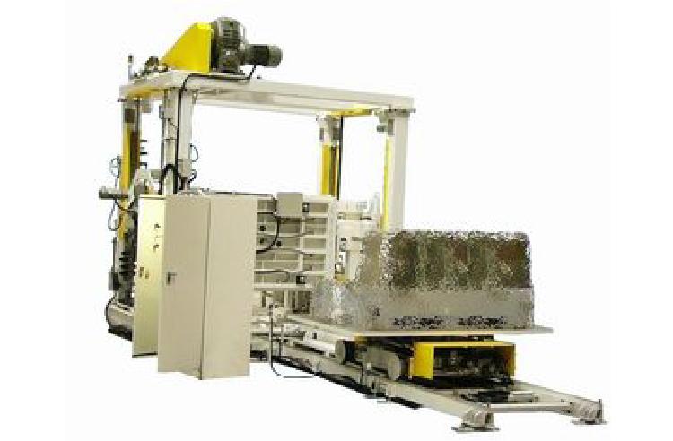 大型熱硬化性樹脂成型機